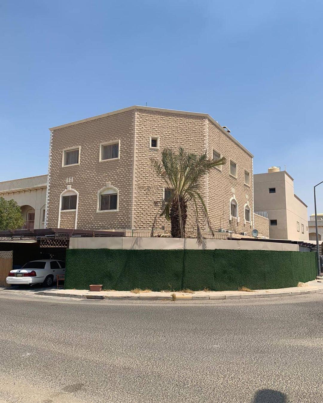 للبيع بيت حكومي بسعد العبدالله زاويه