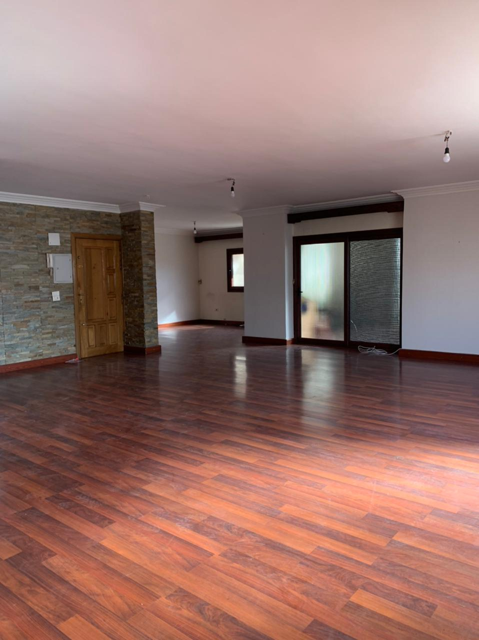 من المالك مباشرة للبيع شقة مميزة مدينة نصر الحى السابع بجوار شركة انبى للبترول