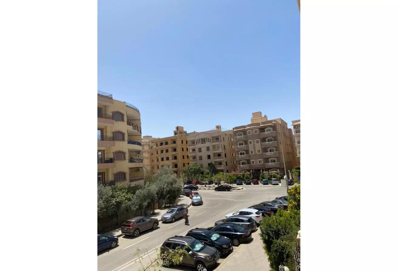 للبيع شقة مفروشه جاهزة للسكن الفوري بعمارات النرجس