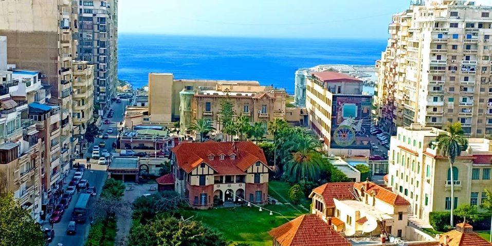 للبيع شقة في ميدان جليم (200م) بمطلات بحرية مفتوحة و تسهيلات في السداد
