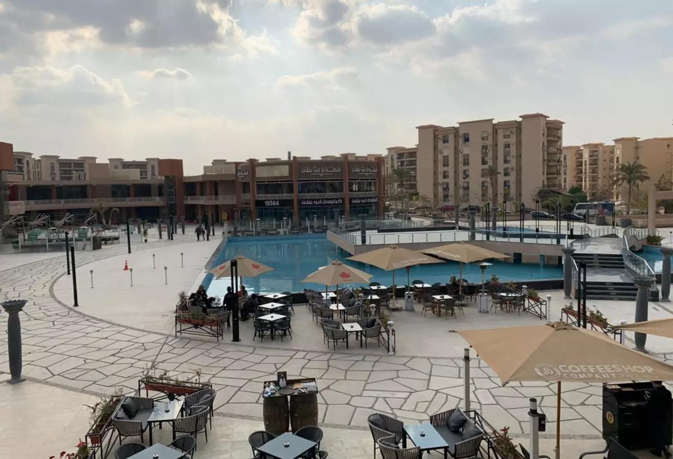 محل للبيع السوق الشرقي الرحاب 100م يصلح كافيه/مطعم