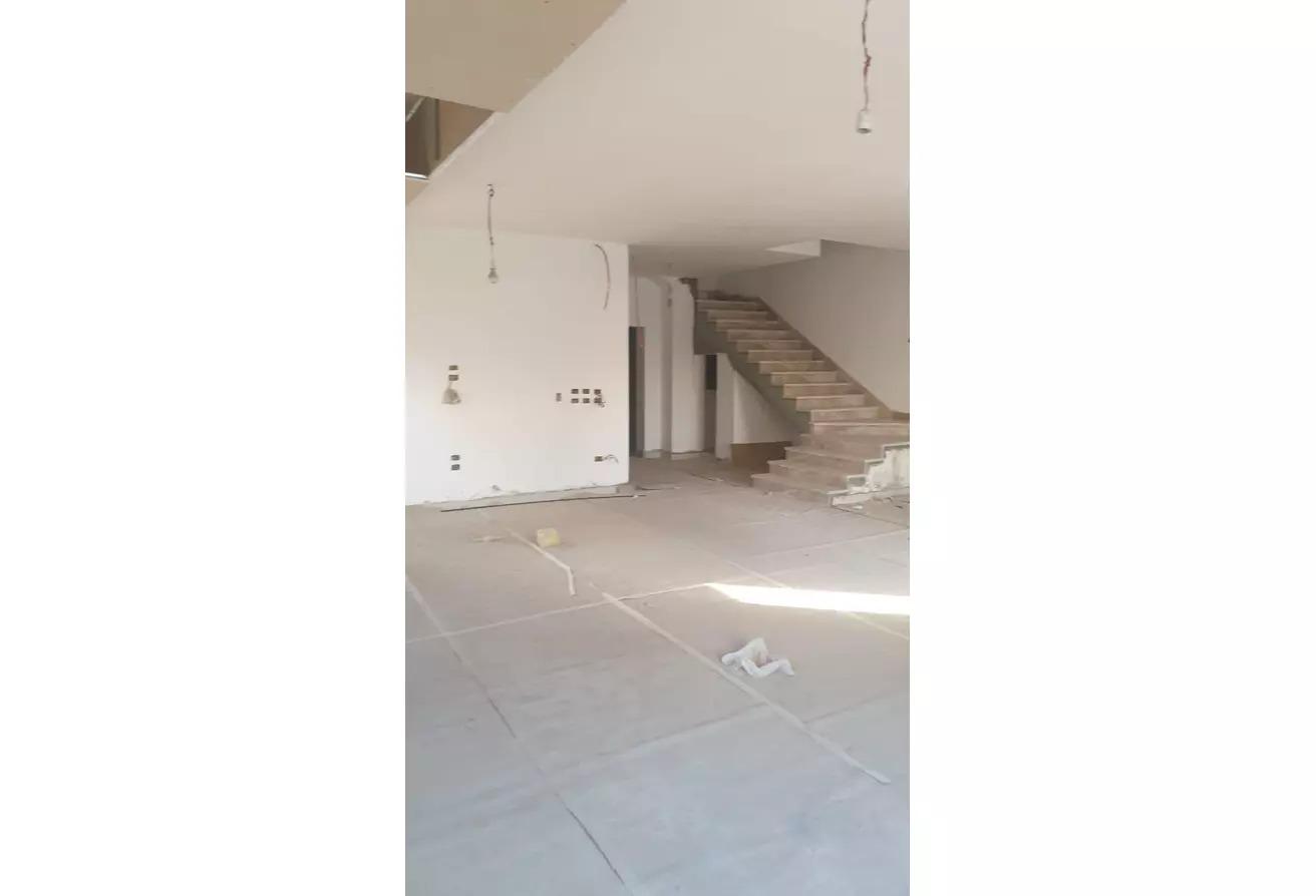 منزل مزدوج للبيع في ميفيدا, كمبوندات التجمع الخامس