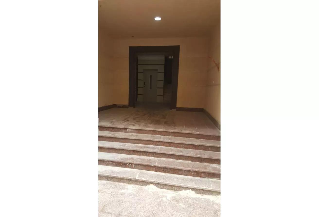 شقة للبيع في سيفورا هايتس, كمبوندات التجمع الخامس