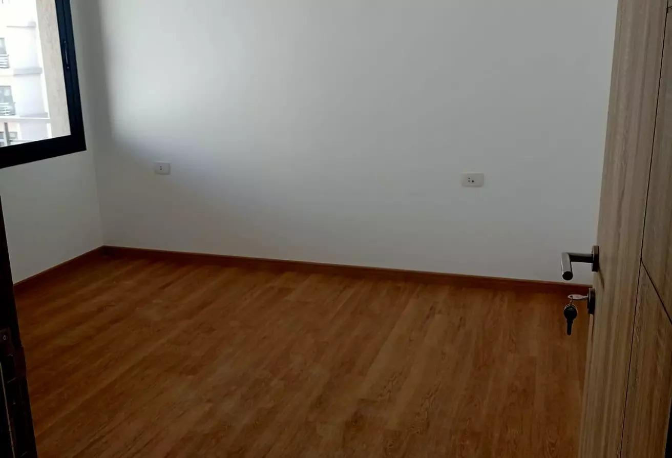 شقة للايجار في فيفث سكوير, المستثمرين الشمالية