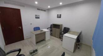 مساحة مكتبية مفروشة بالتجمع بمبني اداري وتجاري