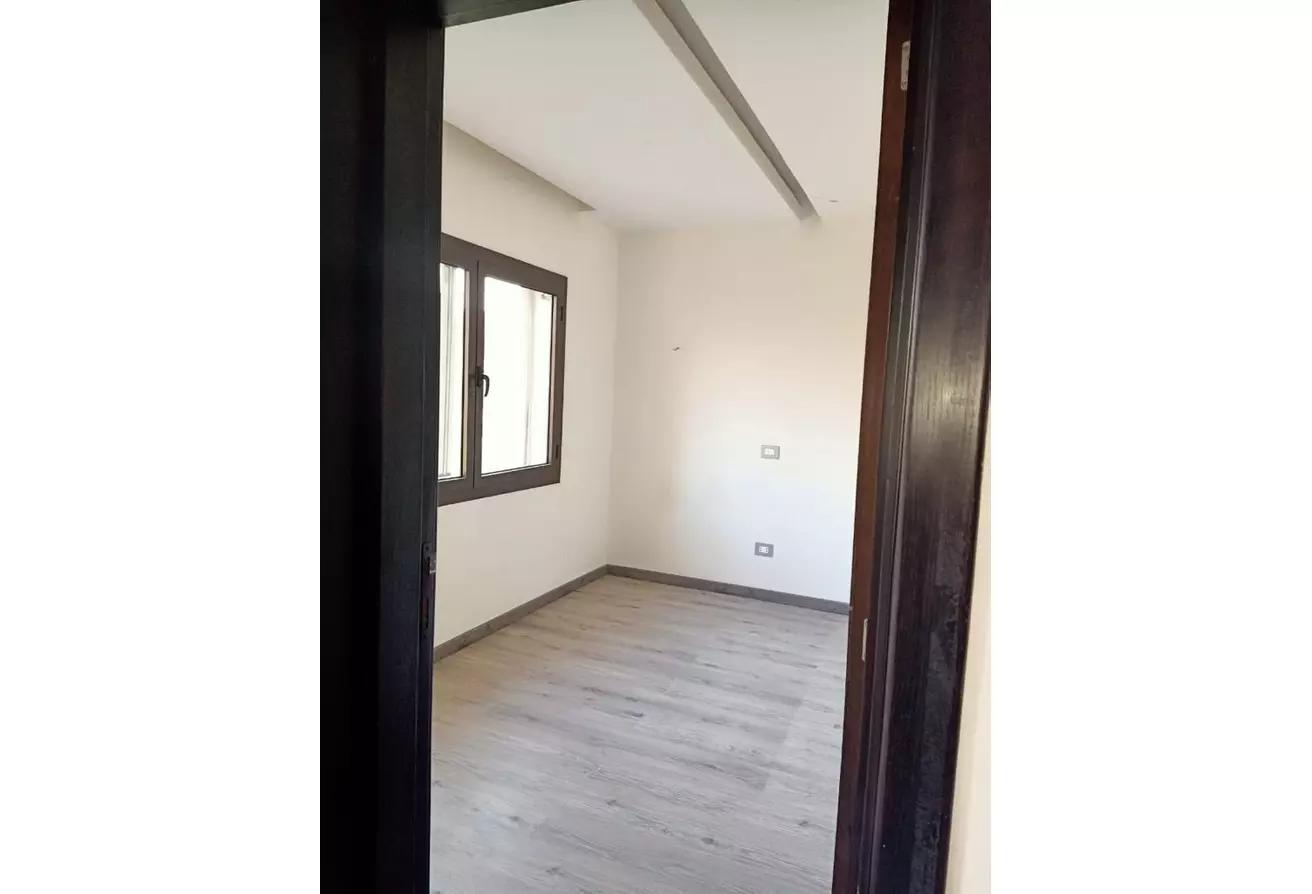 منزل مزدوج للايجار في ميفيدا, كمبوندات التجمع الخامس