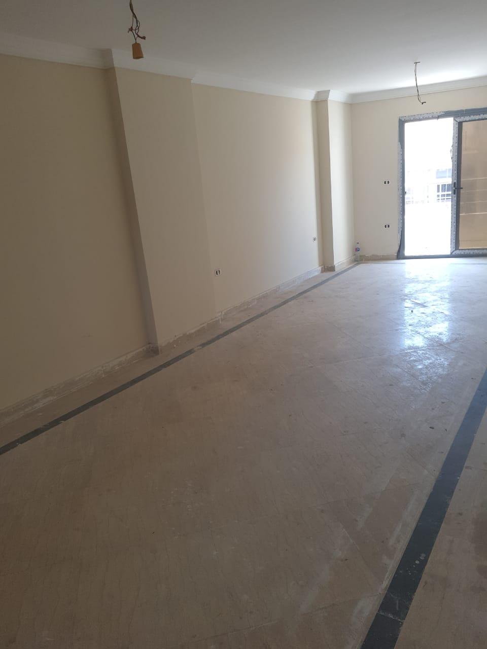 شقة للبيع (130م) في سابا باشا بمطلات بحرية و تسهيلات في السداد