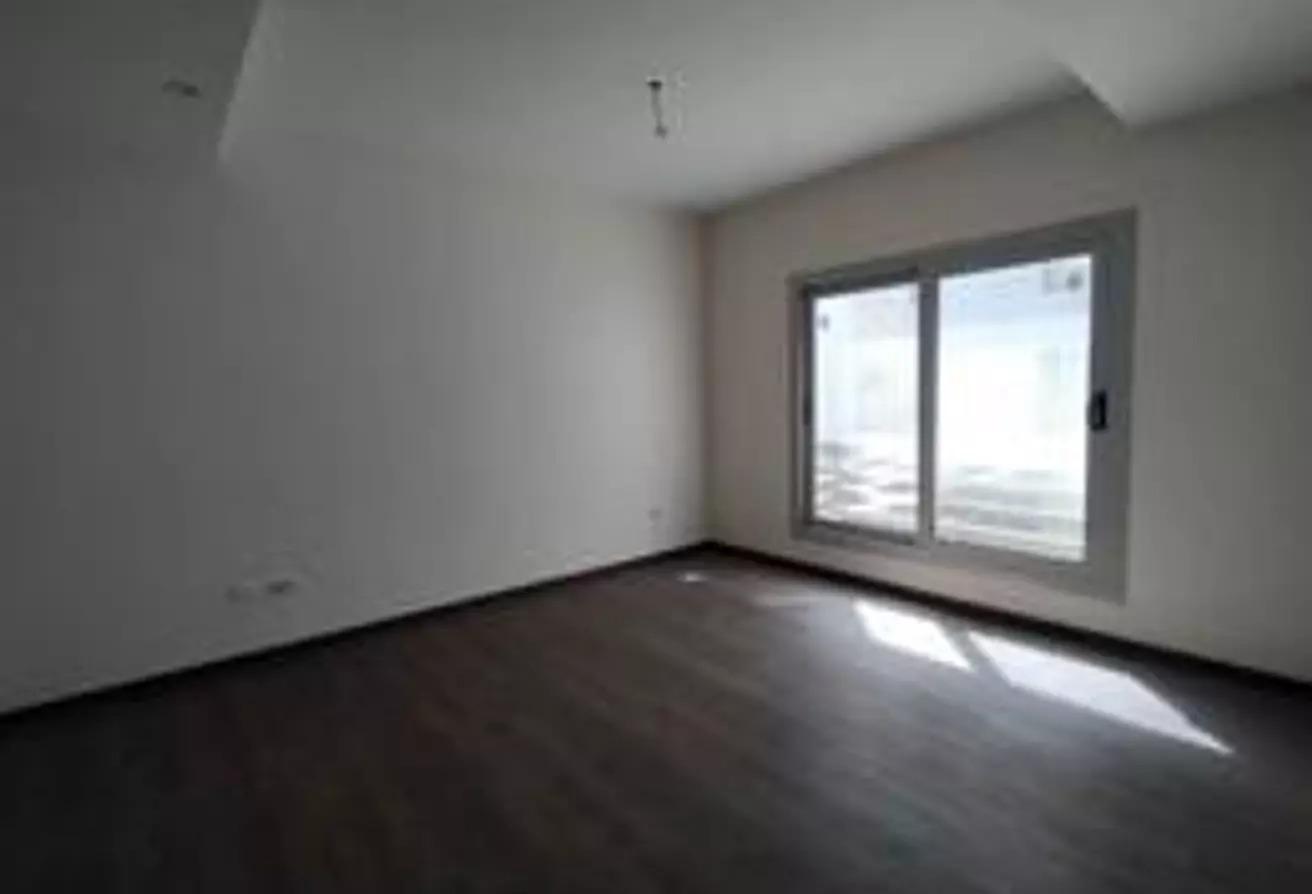 شقة للبيع في كايرو فيستيفال سيتى, المستثمرين الشمالية