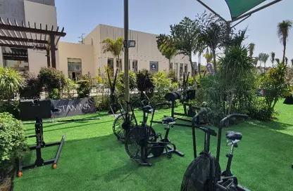 أرخص شقة 215م كورنر بحري بي حديقة 100م بحري مميزه