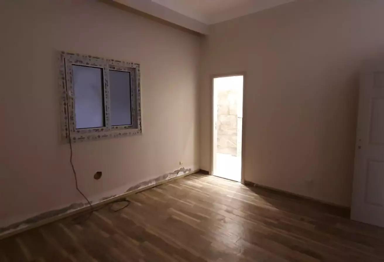شقة للايجار في غرب الجولف, كمبوندات القطامية