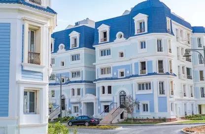 شقة بموقع مميز فى ماونتن فيو هايد بارك استلام فورى