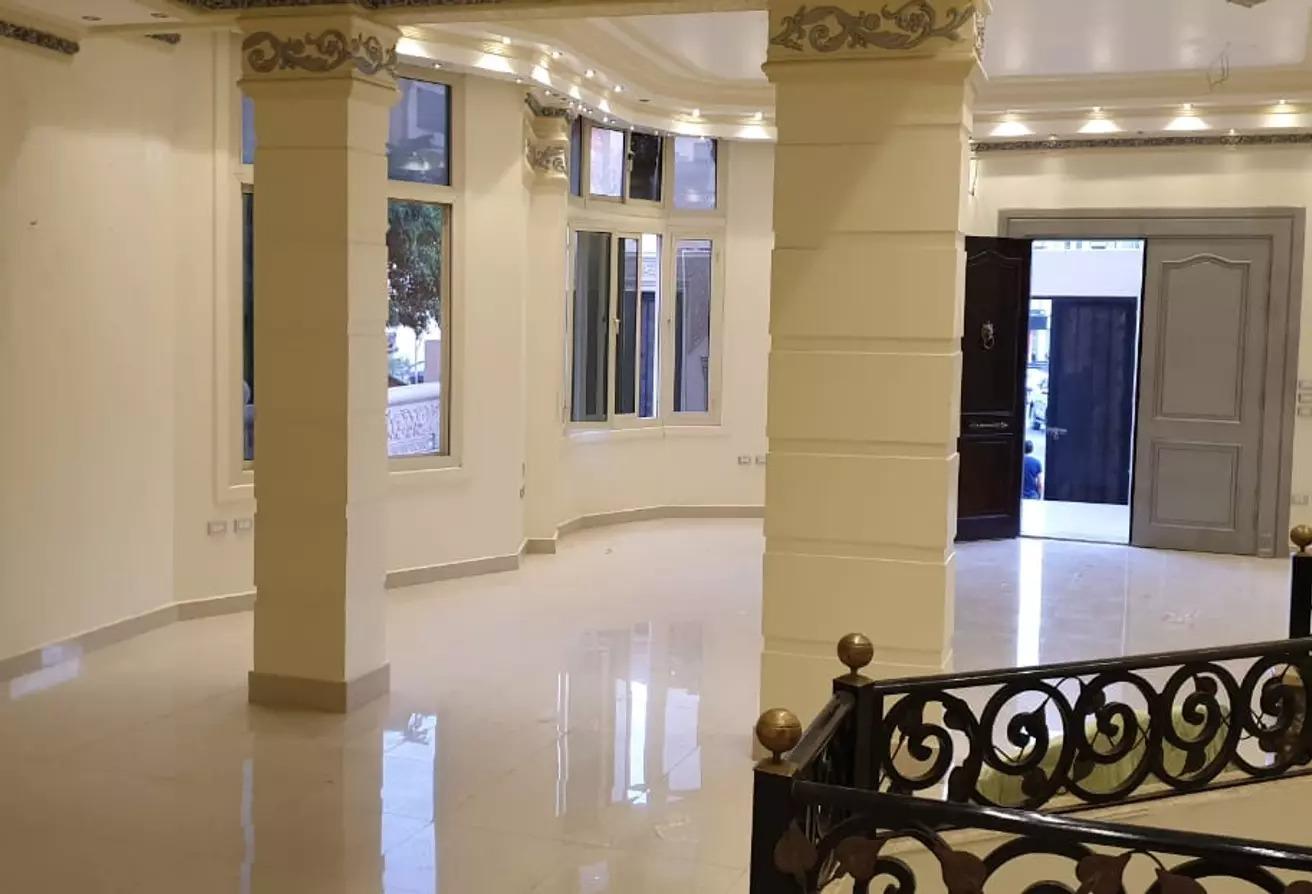 شقة للايجار في شارع رقم 33, الحي الاول