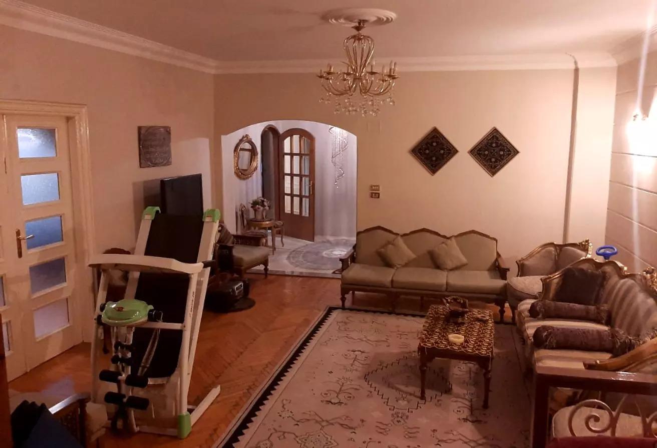 شقة للبيع في شارع عبد الله دراز, ارض الجولف