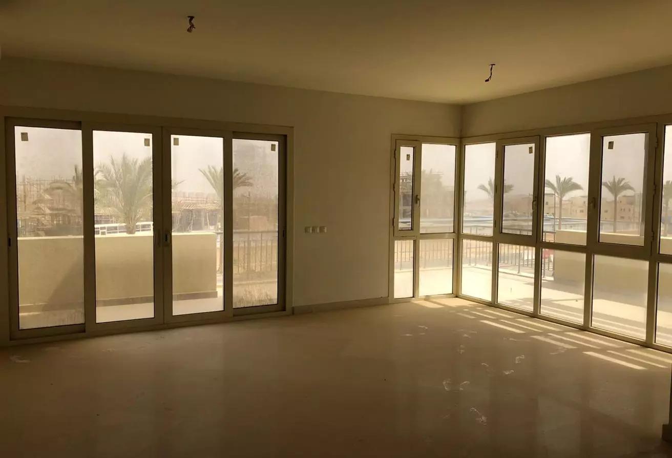 شقة للبيع في اب تاون كايرو, سيراس