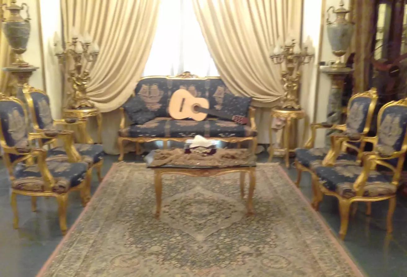 شقة للبيع في شارع حسني عثمان, حي السفارات