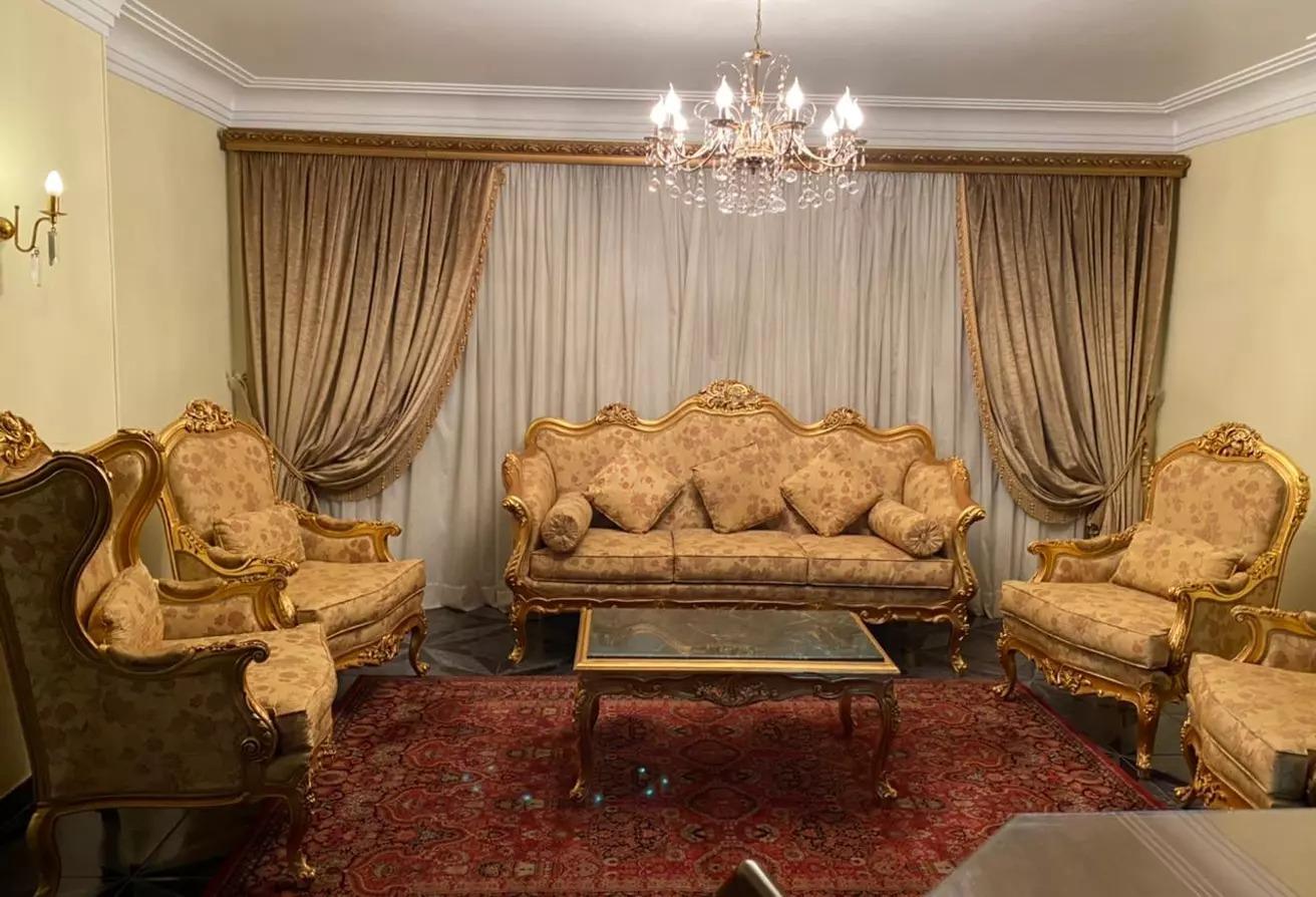 شقة للبيع في شارع مكرم عبيد, المنطقة السادسة