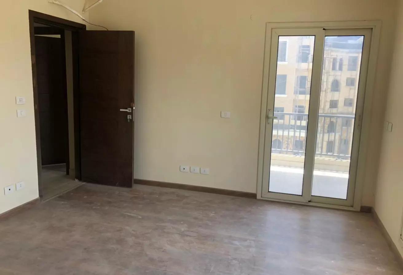 شقة للبيع في 90 افينيو, المستثمرين الجنوبية