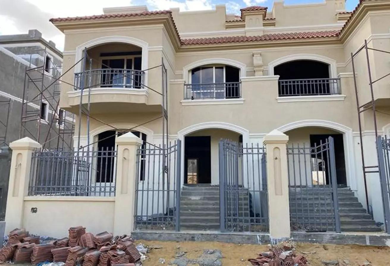منزل مزدوج للبيع في الباتيو اورو, كمبوندات التجمع الخامس