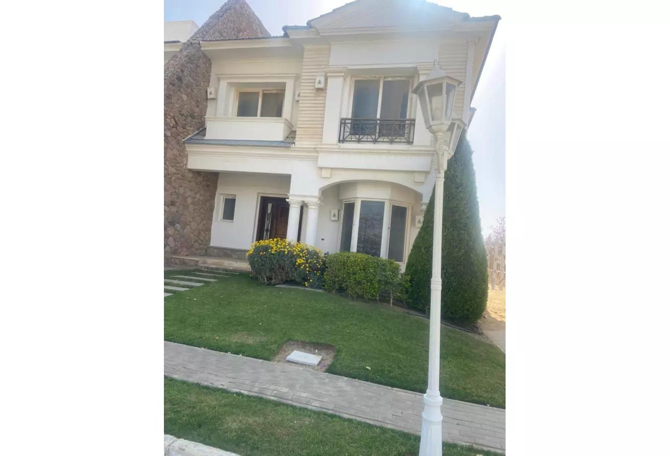 منزل مزدوج للبيع في ماونتن فيو 2, كمبوندات التجمع الخامس