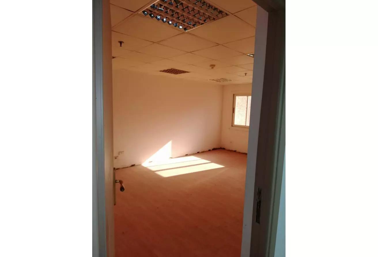 مساحات مكتبية للايجار في شارع محي الدين أبو العز, الدقي