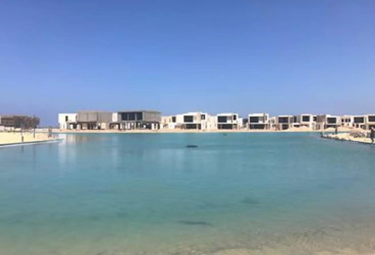 للبيع فيلا 565م في سي سيل الساحل صف تاني على البحر